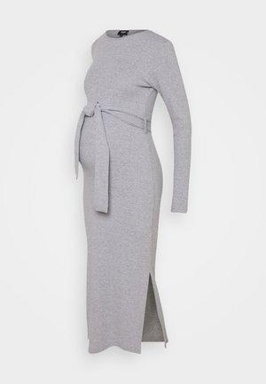 MATERNITY SPLIT SIDE BELTED MIDI DRESS - Jersey dress - grey