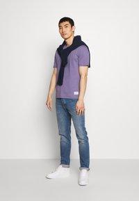Tiger of Sweden - OLAF - T-shirt basique - purple air - 1