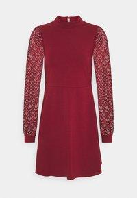 ONLMILLE LIFE - Jersey dress - pomegranate