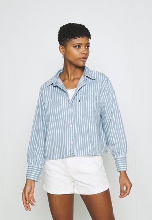 ZOEY PLEAT UTILITY - Button-down blouse - light-blue denim