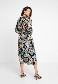 mint&berry - Maxi dress - black - 2