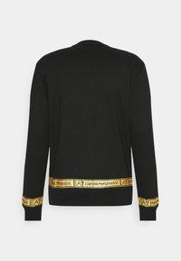 EA7 Emporio Armani - Sweatshirt - black/gold - 7