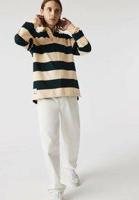 Lacoste - Polo shirt - beige / vert fonce / beige - 0