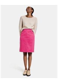 Gerry Weber - Pencil skirt - rasberry - 1