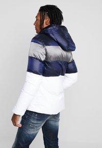 Antony Morato - COAT WITH STRIPES AND DETACHABLE HOOD - Winter jacket - white - 2