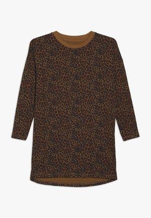 NKFVILLOW - Langærmede T-shirts - brown sugar