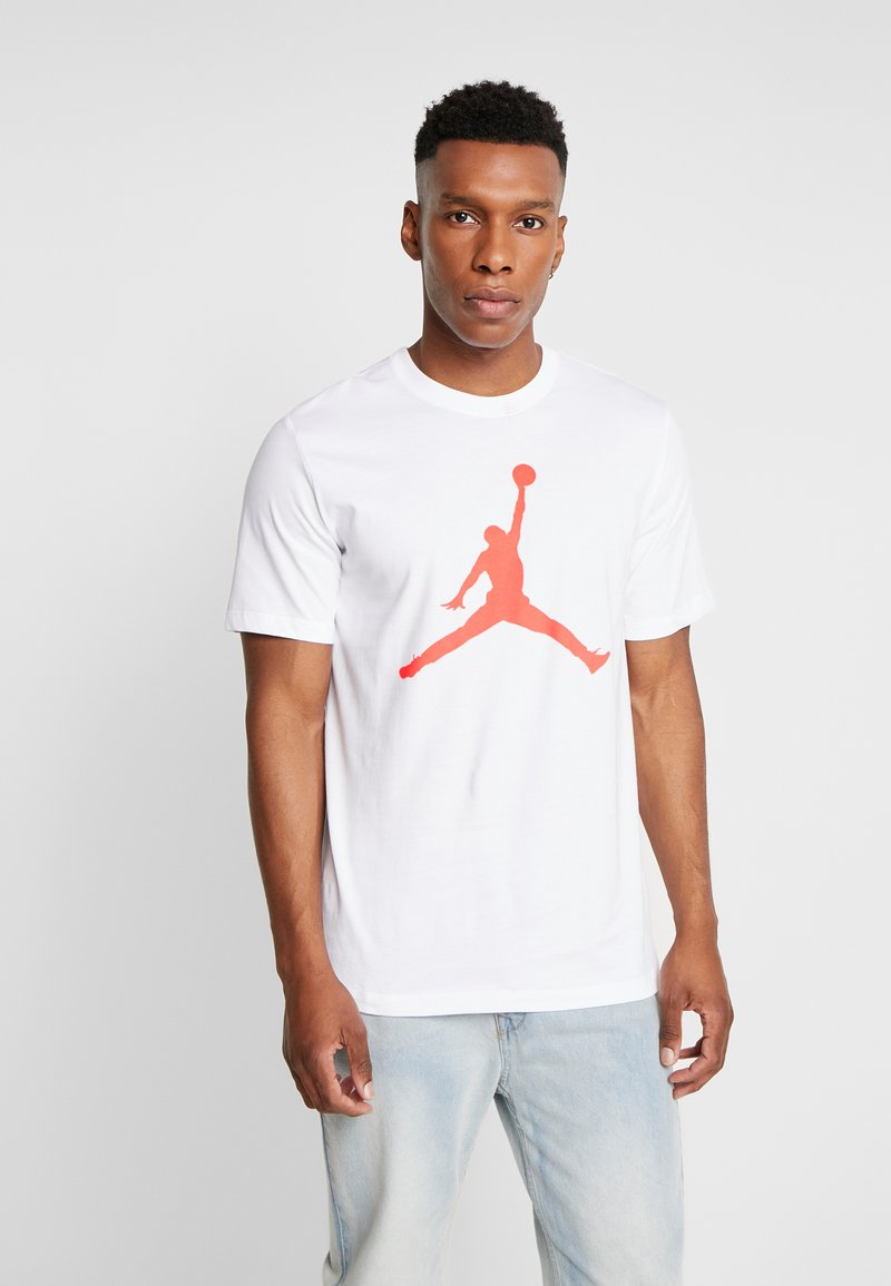 Jordan - JUMPMAN CREW - Print T-shirt - white/infrared