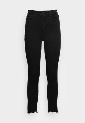 DUPE CURVY  ANKLE  - Skinny džíny - black clean