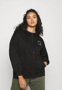 Missguided Plus - GRAPHIC ZIP THRU HOODIE - Zip-up sweatshirt - black - 2