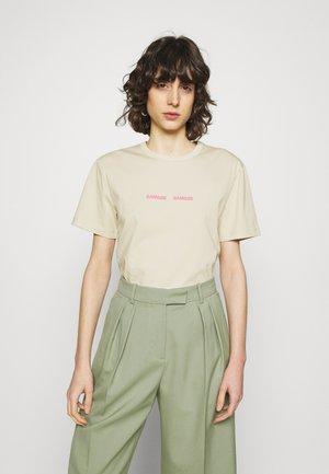 VIGDIS - Print T-shirt - brown rice