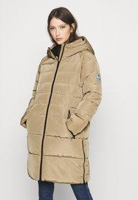 Vero Moda - VMBERGEN - Płaszcz zimowy - sepia tint - 0