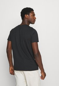 GANT - LOCK UP  - T-shirt med print - black - 3