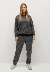 Violeta by Mango - TRENDY - Tracksuit bottoms - grau