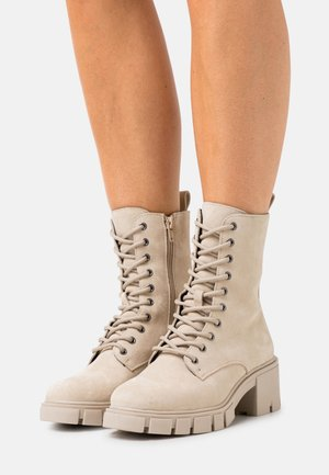 VMLINETTE BOOT VIP - Platform ankle boots - safari