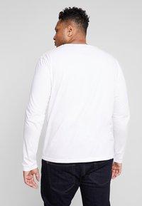 GANT - PLUS SHIELD - Long sleeved top - white - 2