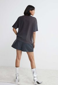 Catwalk Junkie - THUNDERHILL - T-shirt print - dark grey - 1