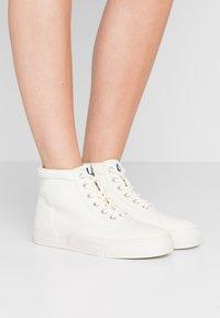 Polo Ralph Lauren - BRYN - High-top trainers - cream - 0