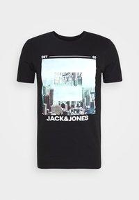 JJBARISTA TEE CREW NECK - Print T-shirt - black