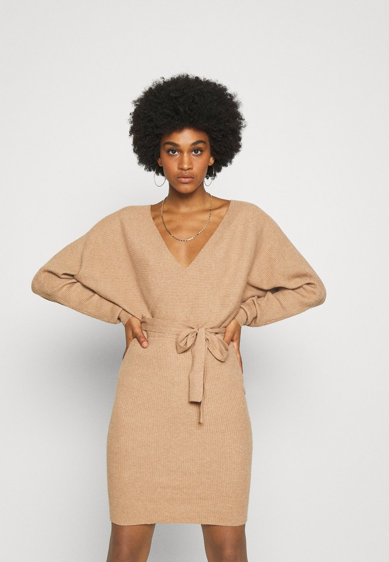 Vero Moda - VMREM VNECK  - Jumper dress - tan/melange