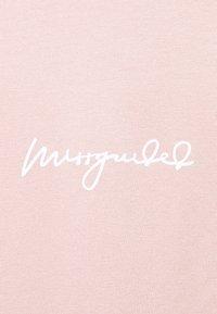 Missguided Maternity - MATERNITY SCRIPT NIGHTWEAR TROUSER SET - Pyjama set - rose - 5