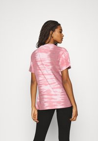 BDG Urban Outfitters - BUTTERFLY TEE - Print T-shirt - pink - 2