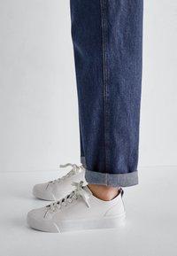 Massimo Dutti - Sneakersy niskie - beige - 1