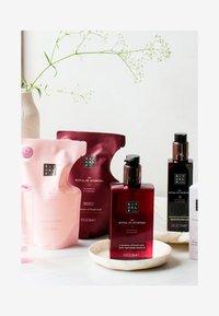 Rituals - KITCHEN BOX AYURVEDA - Bath and body set - - - 4