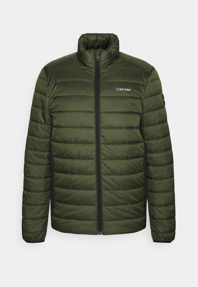 ESSENTIAL SIDE LOGO JACKET - Winter jacket - dark olive