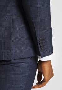 Isaac Dewhirst - CHECK SUIT - Suit - dark blue - 9