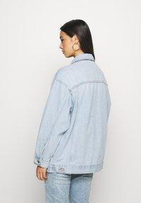 Topshop - DAD - Denim jacket - bleached denim - 2
