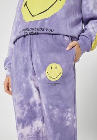 PULL&BEAR - Tracksuit bottoms - mauve - 3