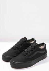 Vans - OLD SKOOL - Skateboardové boty - black - 6