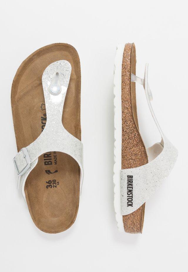 GIZEH - Sandály s odděleným palcem - cosmic sparkle white