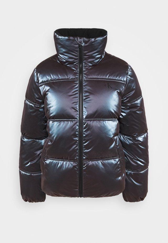 IRIDESCENT STAND COLLAR PUFFER - Winter jacket - gentian violet