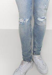 Levi's® - 519™ SKINNY BALL - Jeansy Skinny Fit - light-blue denim - 3
