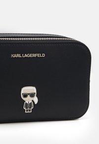 KARL LAGERFELD - IKONIK PIN CAMERA BAG - Across body bag - black - 4