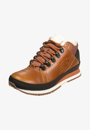 H754 - High-top trainers - cognac