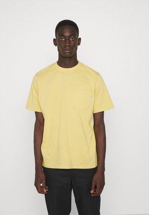 BOBBY POCKET - T-Shirt basic - yellow