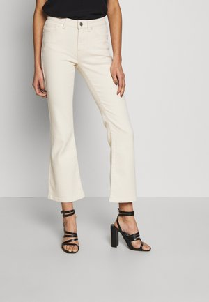 SLFEVE STAR CROP - Flared jeans - white denim