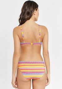 Buffalo - MIT ETHNO-DRUCK - Bikini top - yellow - 2