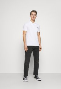 Lacoste - SLIM FIT PH1848 - Polo - blanc - 1