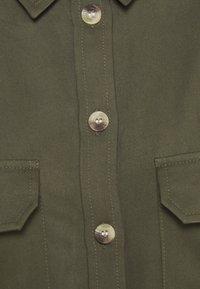 Pieces - PCGEROMA MIDI DRESS - Shirt dress - sea turtle - 2