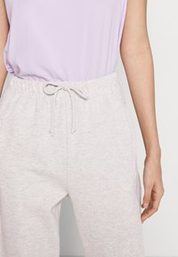 Topshop - YANKEE QUILTED - Tracksuit bottoms - grey - 5