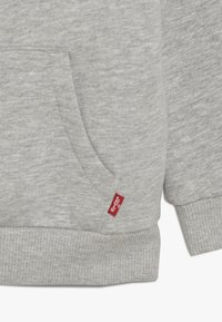 Levi's® - BATWING SCREENPRINT HOODIE - Luvtröja - grey heather - 2