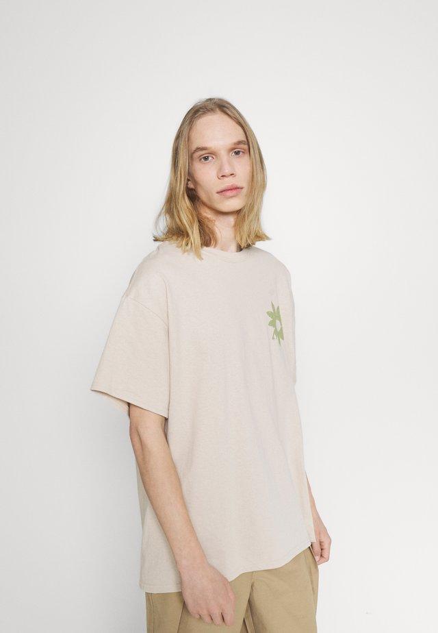 FLOWER - T-shirt z nadrukiem - beige