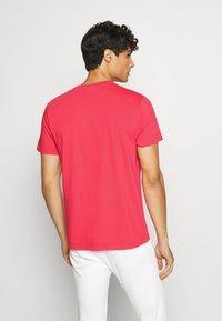 Schott - Print T-shirt - red - 2