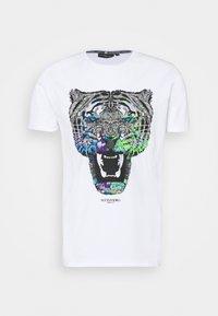 Alessandro Zavetti - GROWLER TEE - Print T-shirt - purple/white - 0