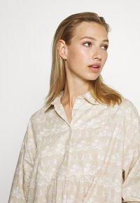 Wood Wood - JANICA DRESS - Sukienka koszulowa - beige - 3