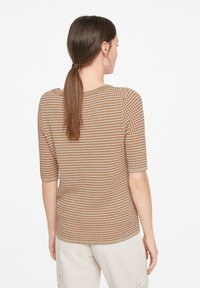 comma - Print T-shirt - tobacco knit structure - 2
