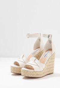Steve Madden - SIVIAN - High heeled sandals - white - 4